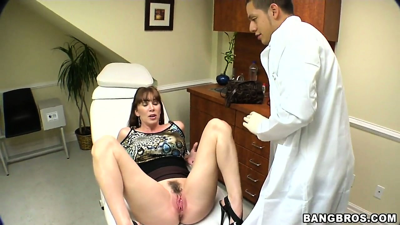Porn Tube of The Doctor's Office Is The Perfect Place For A Milf Pussy Exam