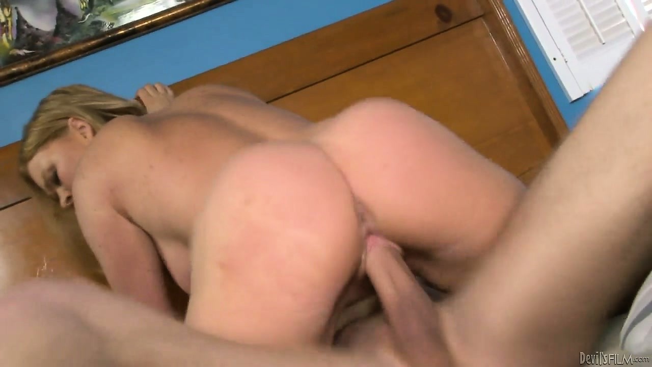Porno Video of When The Wife Is Away, This Guy Will Play, With His Hot Blonde Mother In Law