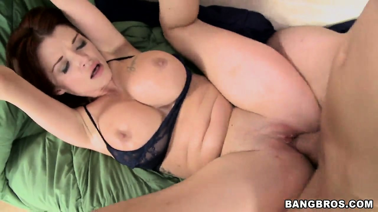 Porn Tube of Spreading Those Legs Wide Open, Her Sexy Body Trembles With Joy As Her Cunt Gets Pounded Deep