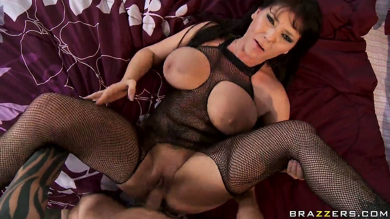 Porno Video of Hot Milf Claire Dames Gets Her Pussy Licked After Being Fucked With Hard Cock