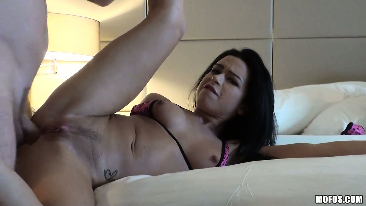 Porno Video of Petite Cutie With An Amazing Bubble Butt Does Anal In A Pov Video