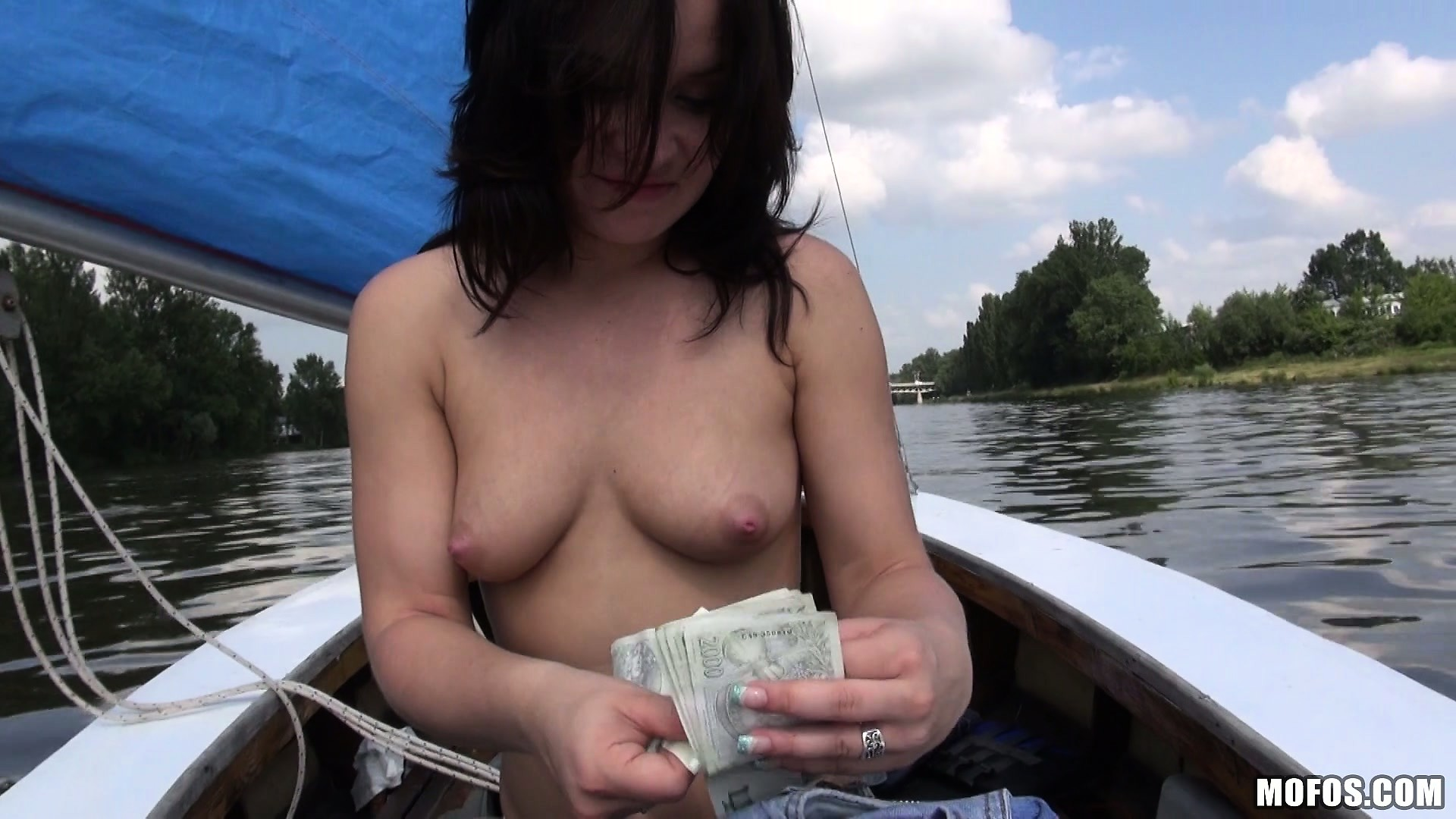Porno Video of Naughty And Petite Skank Gives The Cameraman Some Head On A Boat