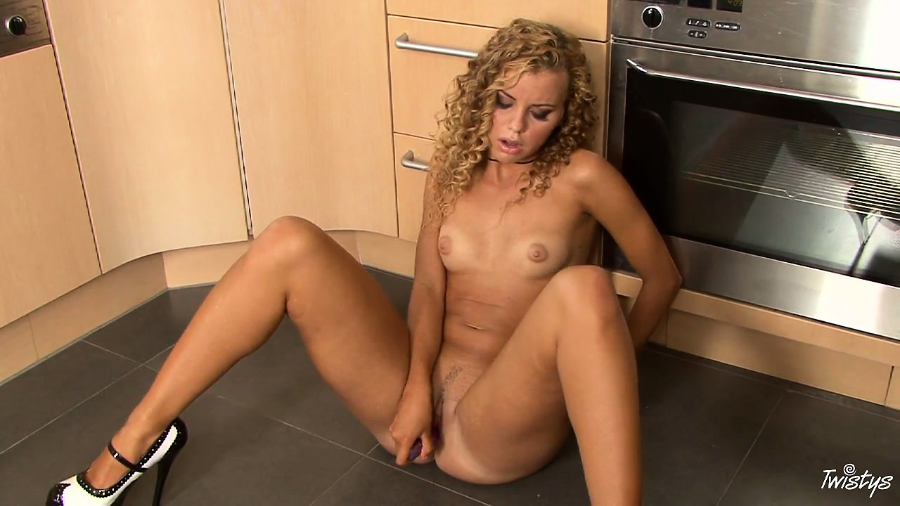Sex Movie of Dirty Blonde Gives Her Pussy A Rough Dildoing In The Kitchen