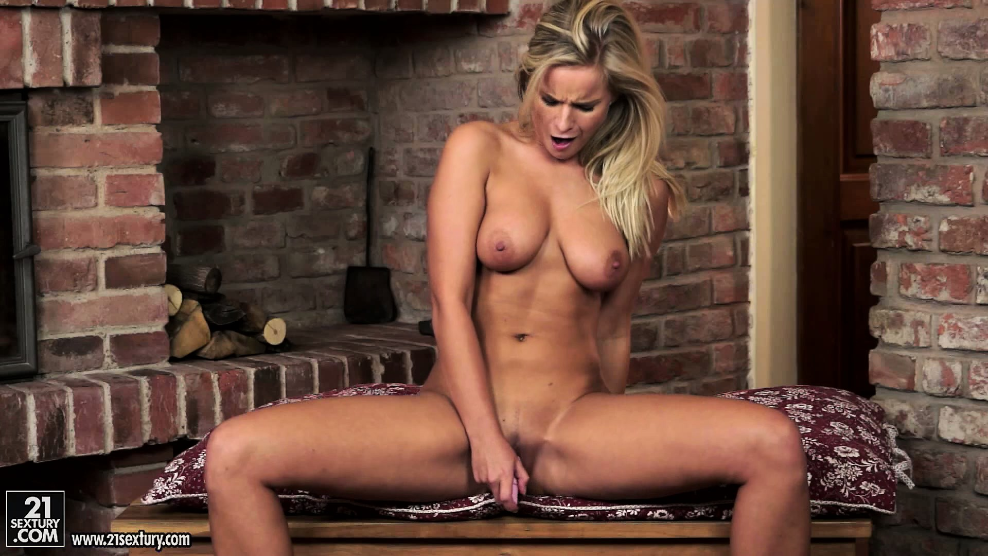 Porno Video of Busty Blonde Hottie Fingers Her Snatch And Then Shoves In A Toy